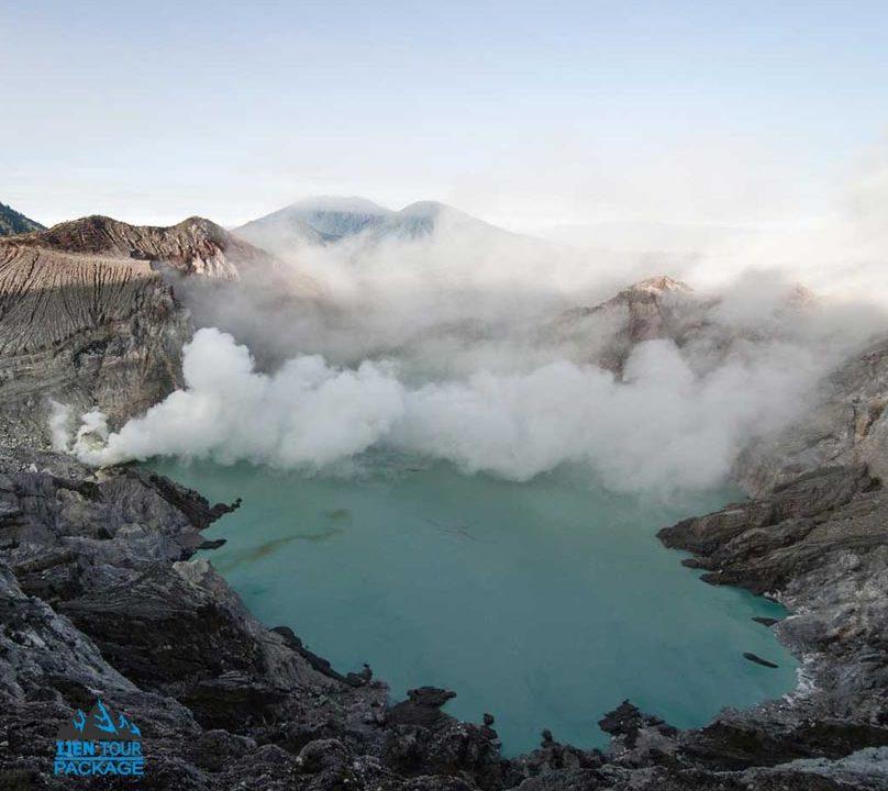 Ijen Volcano Tour