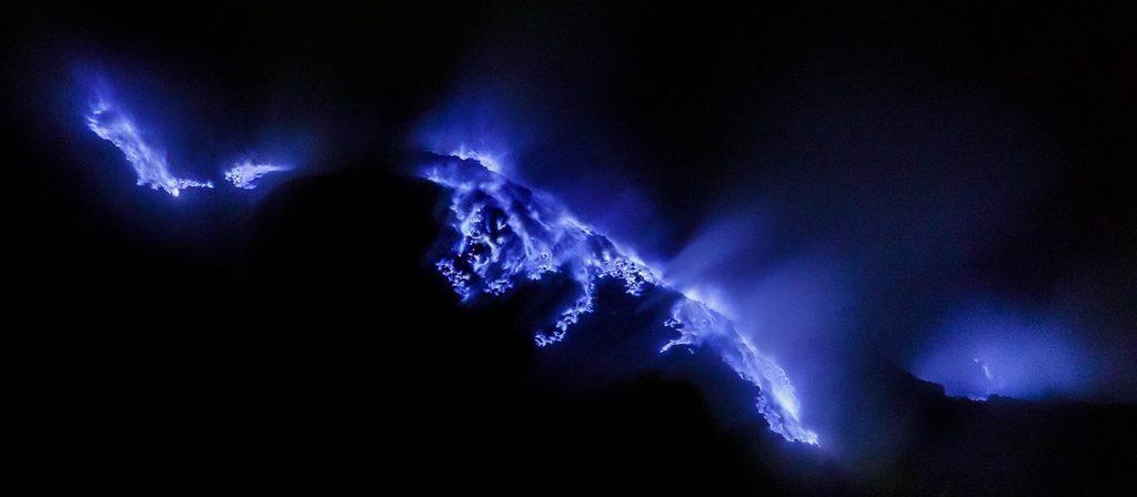 blue flame ijen